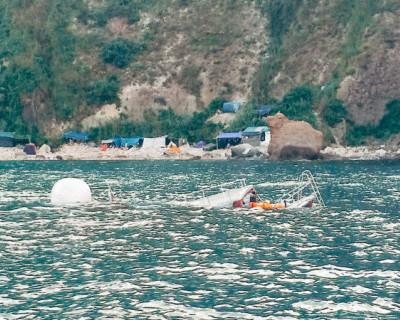 Судно, затонувшее у мыса Фиолент, отбуксировали в Балаклаву