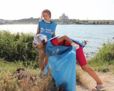 Севастопольские волонтёры стали лучшими в акции «Вода России»