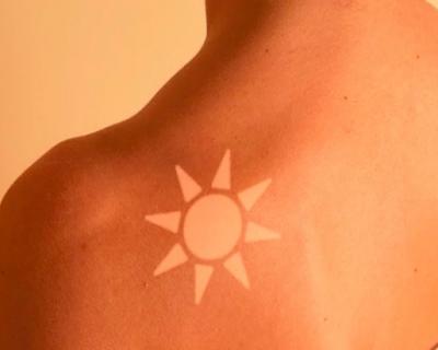 Чем опасны солнечные татуировки?