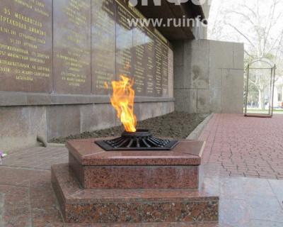 Возложение венков к вечному огню и начало торжественного празднования Дня защитника Отечества в Севастополе