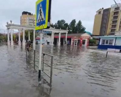Более 2,5 тысяч домов в Краснодарском крае пострадали от удара стихии (ВИДЕО)