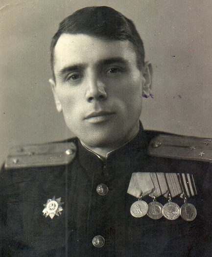 Слева направо три медали «Южного банта»:  «За оборону Одессы», «За оборону Севастополя» и «За оборону Кавказа»