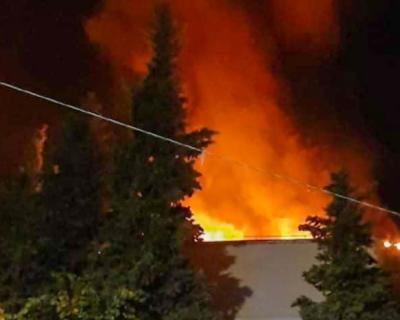 В Ялте загорелась многоэтажка