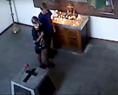 Двое подростков украли деньги в часовне на 35-ой батарее (ВИДЕО)