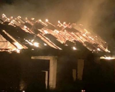 В Симферополе загорелся военный склад