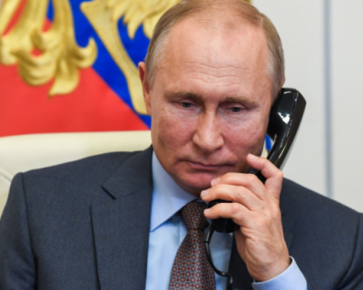 Владимир Путин ответил на вопрос, пользуется ли он мобильным телефоном