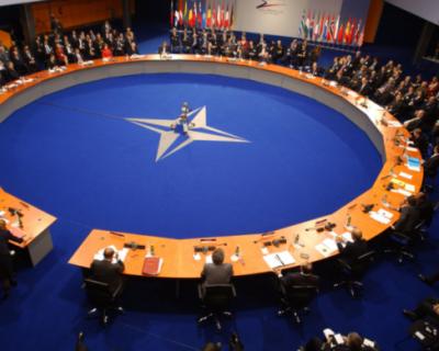Мария Захарова рассказала о деградации НАТО
