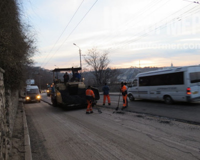 Ремонт дороги привел к транспортному коллапсу