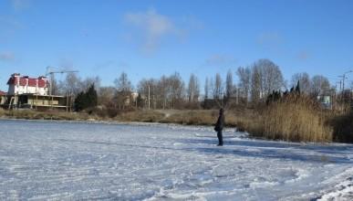 В Севастополе частично замерзла бухта «Омега»