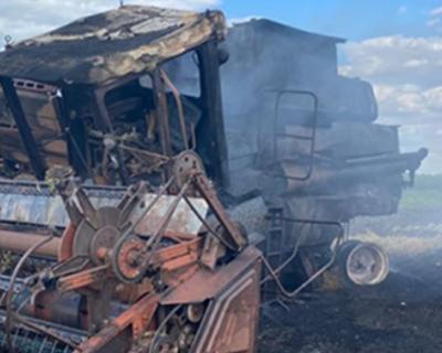 В Крыму сгорел комбайн