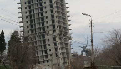 Фоторепортаж с места неудавшегося взрыва 16-ти этажного дома в Севастополе