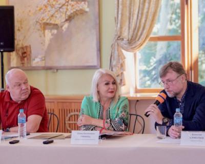 В Севастополе проходят «Большие гастроли» МХАТ им. Горького