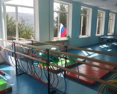 В севастопольской школе открыли два новых спортивных зала
