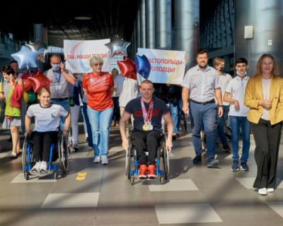 В аэропорту Симферополя торжественно встретили севастопольского спортсмена