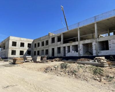 Поликлинику в бухте Казачьей построят к концу года