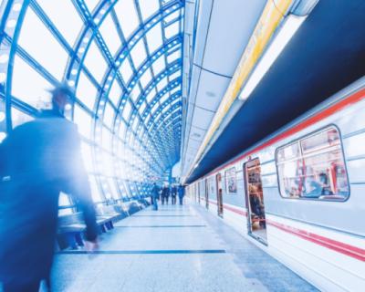 Куда ездят на поездах  жители Москвы и Санкт-Петербурга