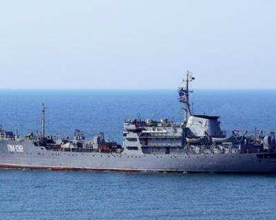 Плавучая мастерская «ПМ-138» возвращается в Севастополь из дальнего похода