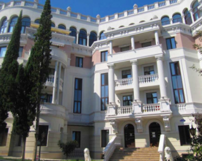 Зеленский перестал платить коммуналку за квартиру в Ливадии