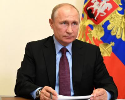 Владимир Путин заявил о преодолении спада в экономике России