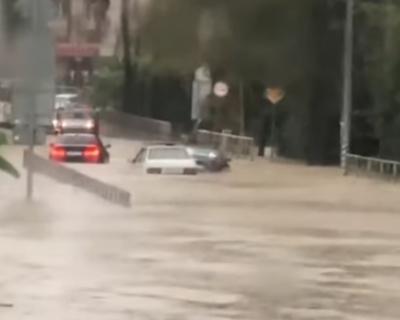 Кавказское побережье затопило водой (ВИДЕО)