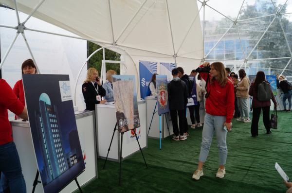 Студенты СевГУ отметили спуск на воду «Пионера-М» ярким праздником 5