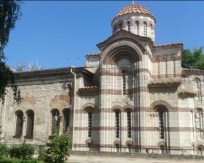 Дожди нанесли ущерб собору в Керчи