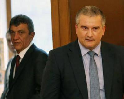 Глава Республики Крым Сергей Аксенов попал в ТОП-3, а Губернатор Севастополя поднялся на 8 позиций