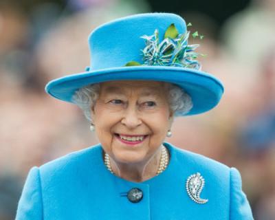 Королеву Великобритании пригласили в Крым