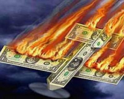 Аналитики советуют сохранять спокойствие и не покупать доллары в краткосрочной перспективе