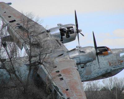 Уникальные и шокирующие фото бывшей военно-морской базы Черноморского флота в Крыму (фото)