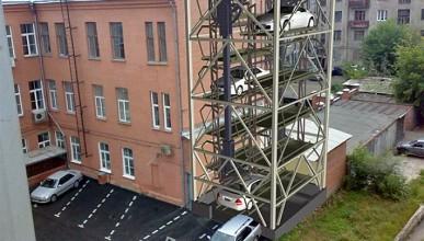 На заметку Правительству Севастополя. Как решить проблему парковок в центре города (видео)