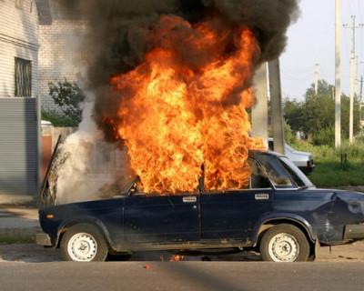 В Севастополе горят автомобили!