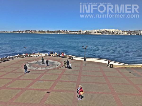 Севастополь весенний часы