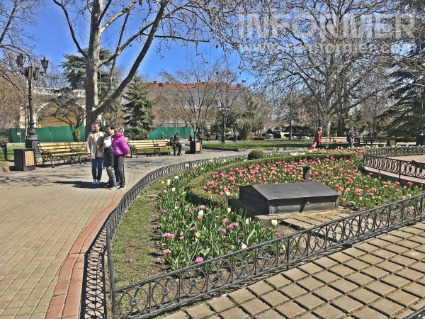 Севастополь весна парк